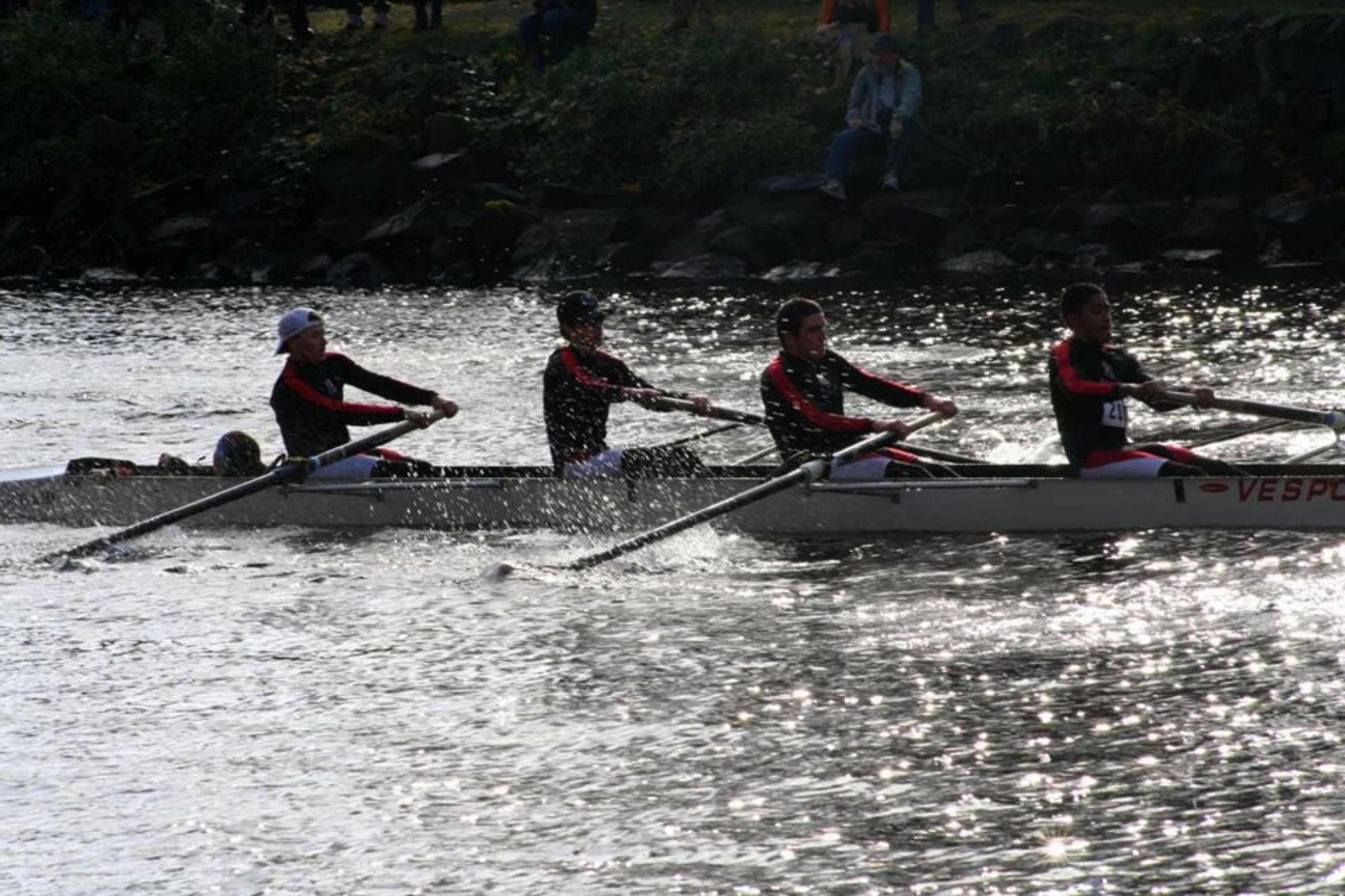 Men's Club Rowing Gears up For Season
