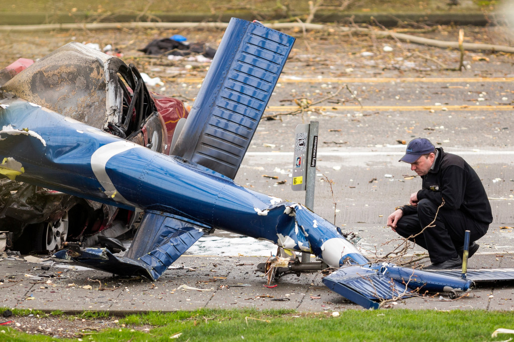 KOMO News helicopter crashes near Space Needle in Seattle, killing two