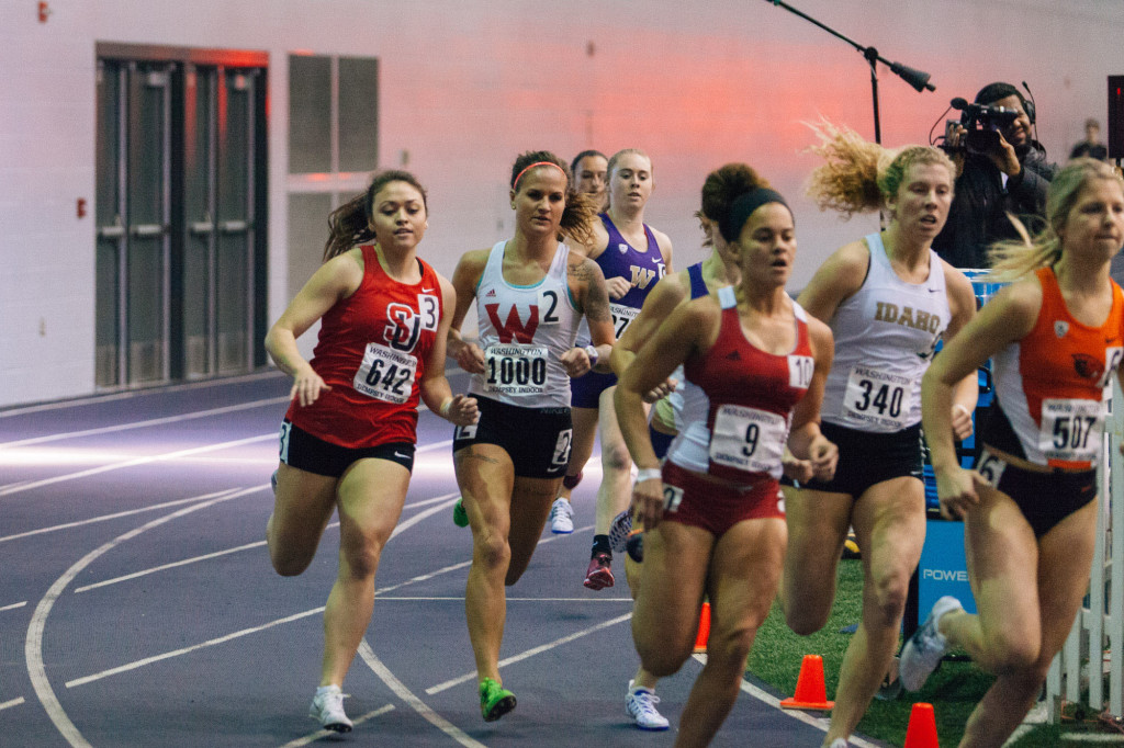 Alisa Poplawski at the start of the women's 800m.