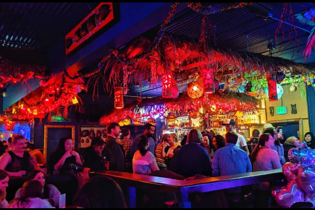 The Hula Hula Bar hosted a Thanksgiving meal and karaoke session