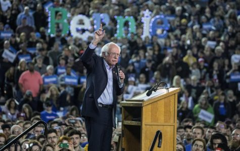 Sanders Draws 17,000 for Rally at Tacoma Dome