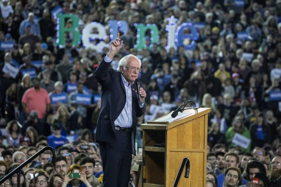 Sanders+Draws+17%2C000+for+Rally+at+Tacoma+Dome