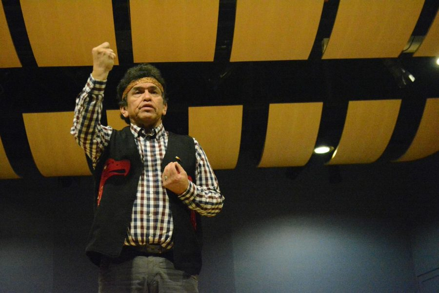 Roger Fernandes, a member of Lower Elwha Band of the S'Klallam Indians, shared the tradition of storytelling with students from the theology, anthropology, and geology departments.