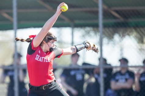 Softball Looks to Rewrite the Record Books