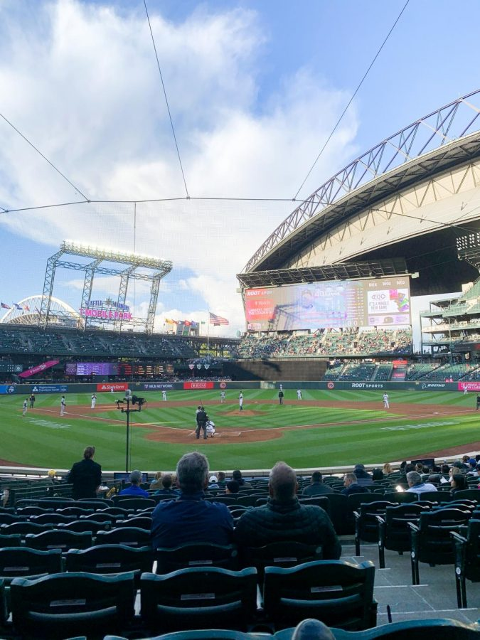 Mariners Fans Are Back and Without Masks